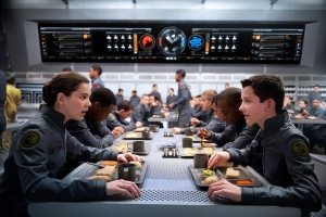 Hailee Steinfeld and Asa Butterfield in Ender's Game | (c) Summit Entertainment  (Lionsgate)